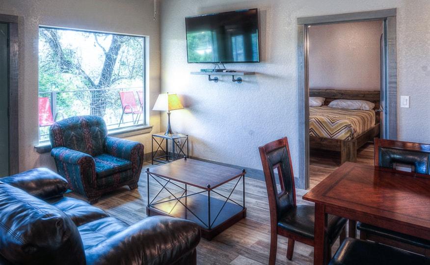 River's Edge Overlook Lodge 3