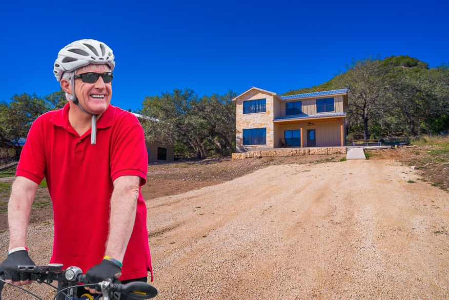 Ride your bicycle in the Frio Canyon